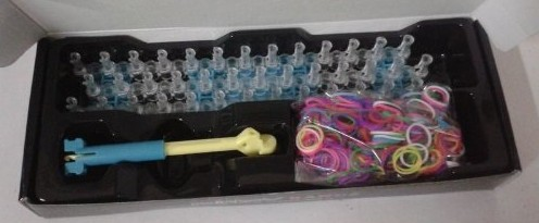 Rainbow Bandz Loom Kit Review