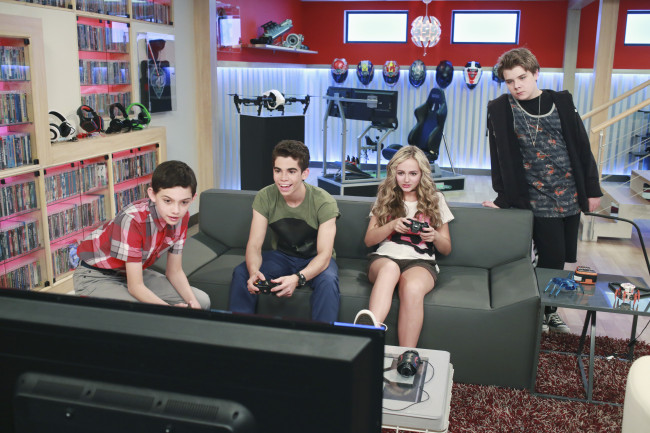 "GAMER'S GUIDE TO PRETTY MUCH EVERYTHING - ""Gamer's Guide to Pretty Much Everything"" - Conor, 15-year-old professional video game-playing phenom, desperately wants to get his pro card back after a thumb injury forces him to retire, so he recruits new classmates Franklin, Wendell and Ashley to play the game for him. Joseph Garrett, known as Stampy Cat, the hugely popular Minecraft-playing YouTube star, makes a guest appearance as the announcer of a pro-gaming tournament. This episode of ""Gamer's Guide to Pretty Much Everything"" will air Wednesday, July 22 (9:30 PM - 10:00 PM ET/PT), on Disney XD. (Disney XD/Ron Tom) FELIX AVITIA, CAMERON BOYCE, SOPHIE REYNOLDS, MURRAY WYATT RUNDUS"