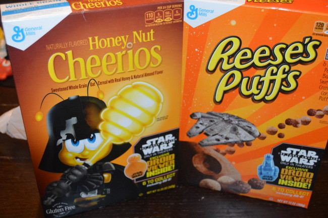 The Force Awakens with Breakfast Cereals from General Mills #StarWars #ad