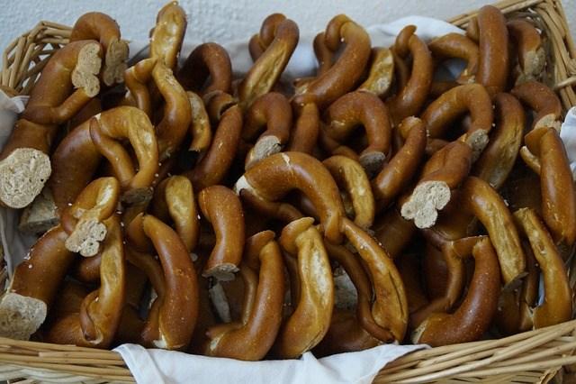 pretzels-858923_640