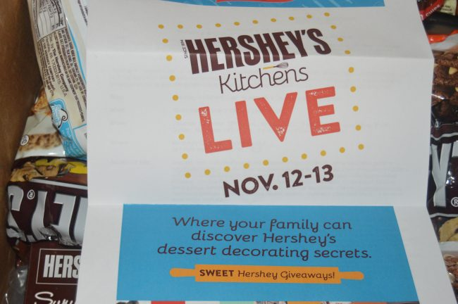 Hershey's Kitchen Live at Chocolate World #SweetestMoms #HersheyPA